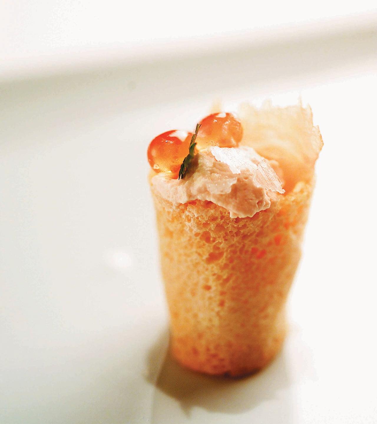 Lenço de espuma de Salmão Selvagem Real do Alasca fumado com Caviar de Salmão Selvagem